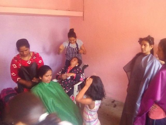 free-haircut-underpriviledged-students (5)