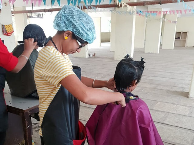 free_haircut_for_underpriviledged_4