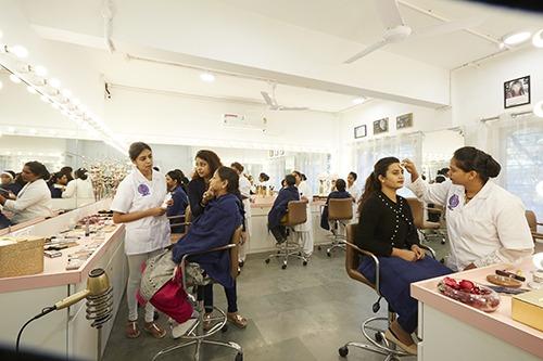 online makeup academy in pune